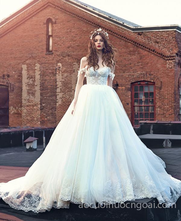 áo cưới công chúa tay lỡ tùng xoè đính ren