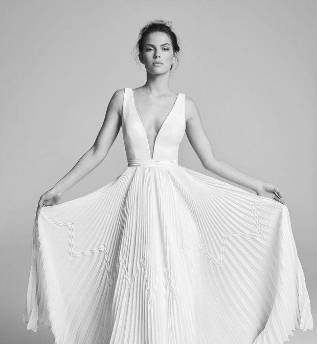 ao cuoi suzan neneville elena-wedding-dresses-uk-belle-epoque-collection-2018-e1503314550197 may ao cuoi sai gon meera meera fashion concept