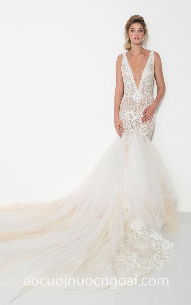 ao cuoi duoi ca tung xoe long lay may ao cuoi dep TP HCM Meera Meera Fashion Concept Yaniv Persy 2019 Stunning